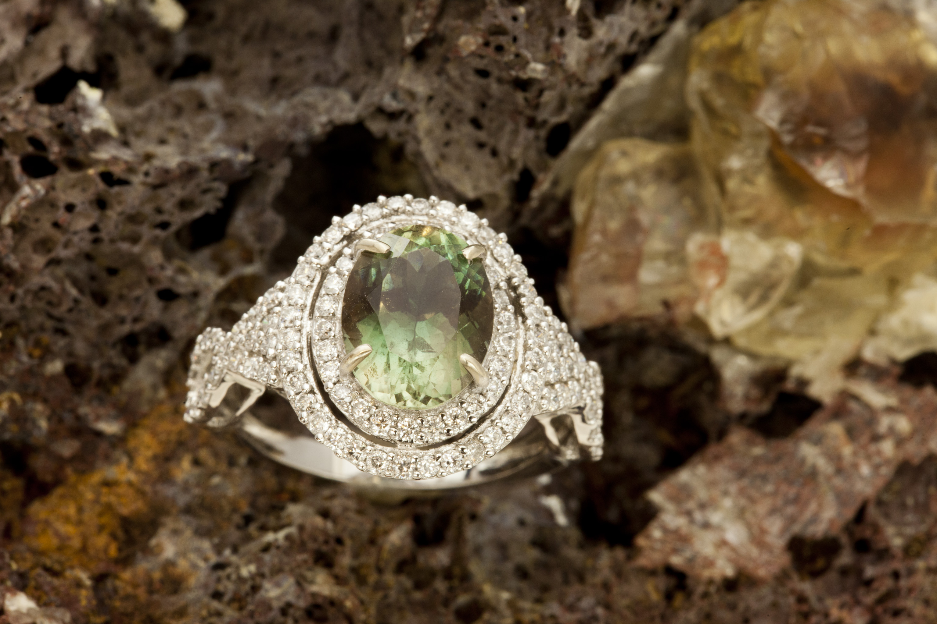 2 8ct Dichroic Sunstone White Gold Ring With Diamonds